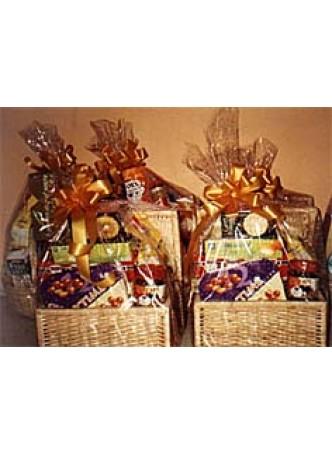 Evergreen Festive hamper basket